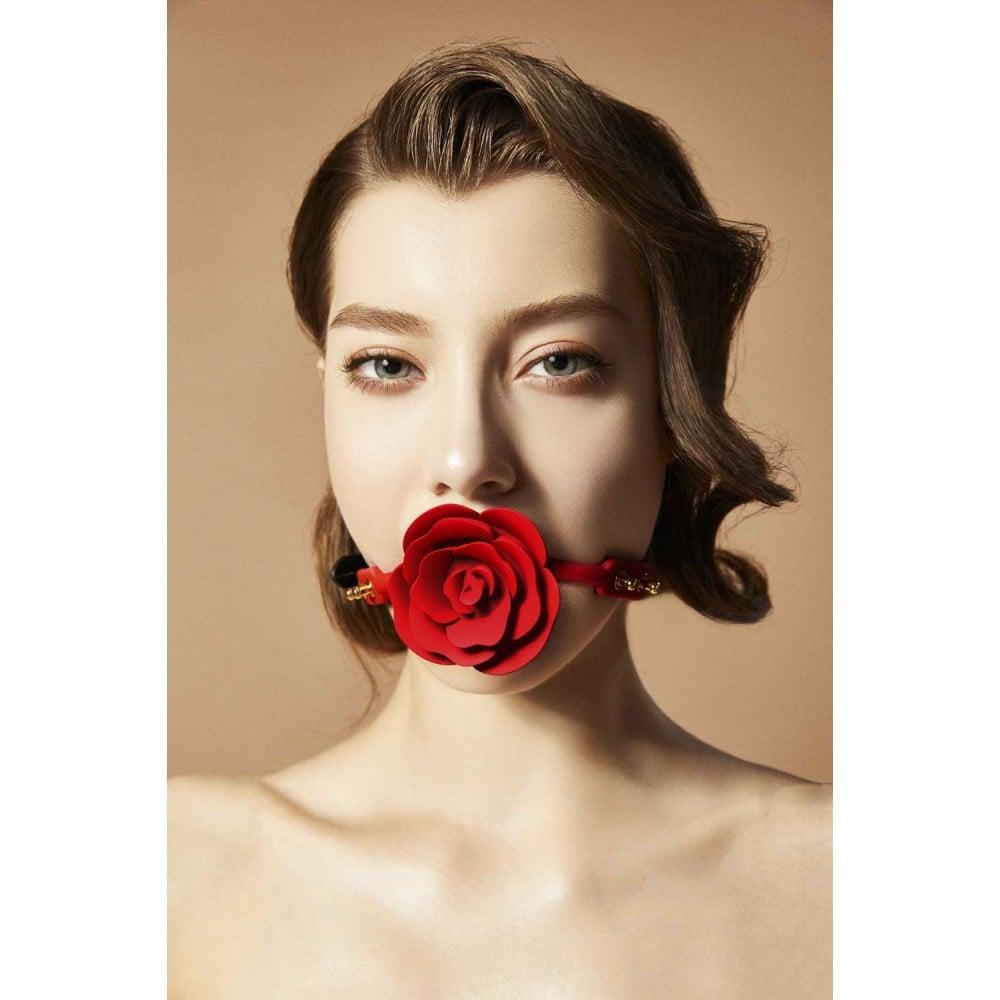 Кляп роза из силикона и итальянской кожи Rose Ball Gag UPKO (34761)