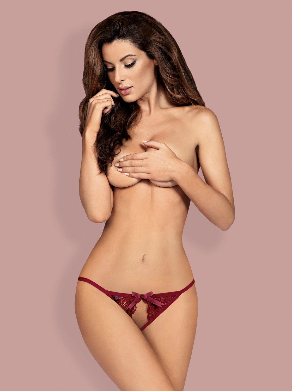 Фото 2 - Девушка в сексуальных красных трусиках